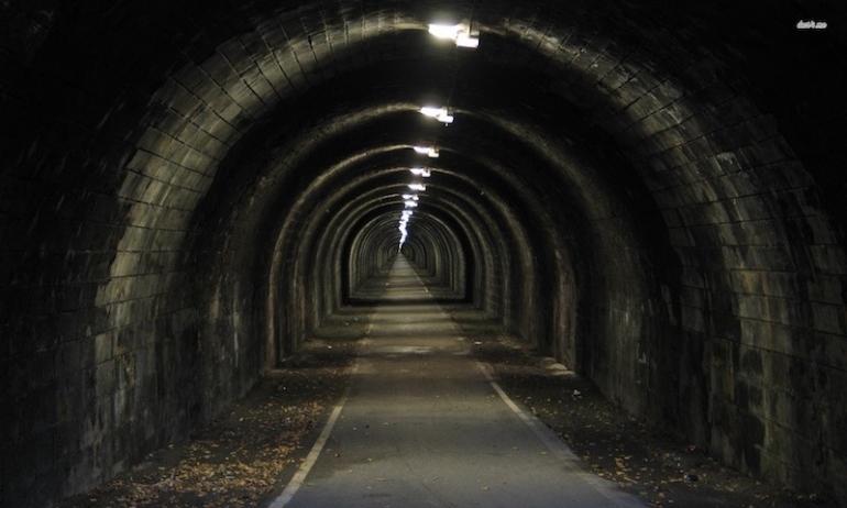 Non siamo fuori dal tunnel