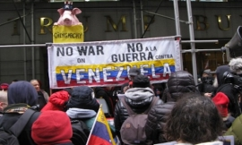 La manifestazione Hands Off Venezuela a New York