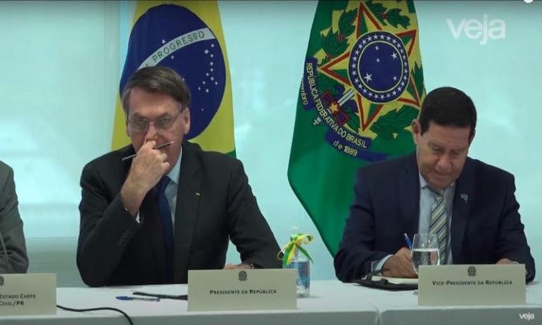 Il video di Bolsonaro: sta cadendo la maschera?
